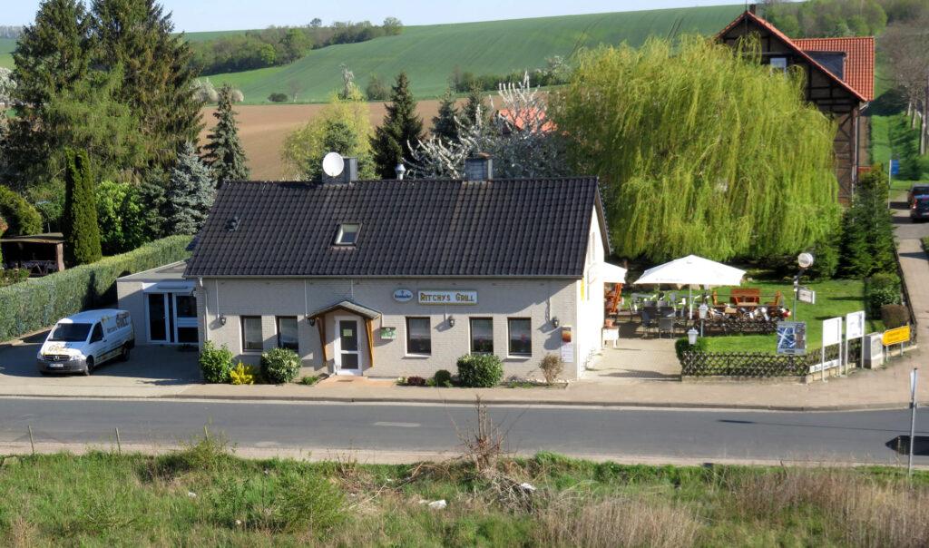 Blick auf das Restaurant Ritchys Grill in Jerxheim-Bahnof.